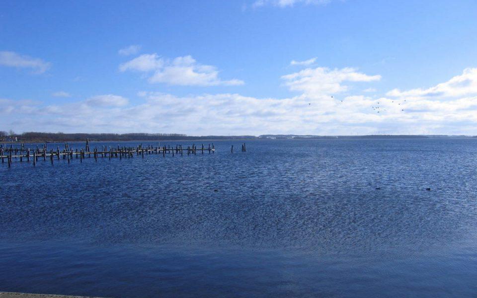 Blick auf das Salzhaff in Rerik an der Ostsee